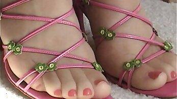 cum videos, cumshot porn, feet, girls in stockings, hot footjob